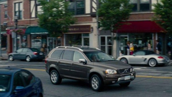 The Volvo XC90 of Leslie Mann in The Other Woman