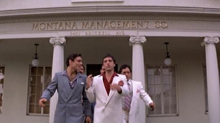 Fashion Trends 2021: The address of the Montana Management Co. in Miami in Scarface