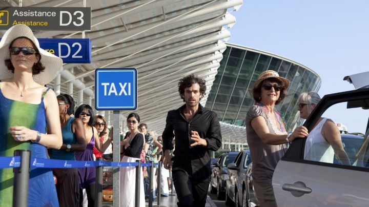 The airport of Nice, in The arnacoeur (Romain Duris) - Movie Outfits and Products