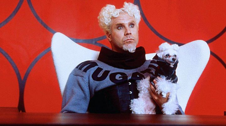 "The armchair ""Egg"" of Jacobin Mugatu (Will Ferrel) in Zoolander - Movie Outfits and Products"