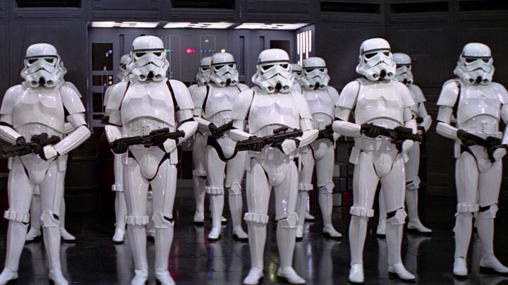 The armor of Stormtrooper in Star Wars : A New Hope - Movie Outfits and Products