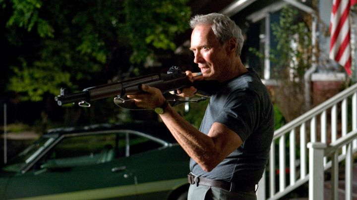 The authentic Garand rifle of Walt Kowalski (Clint Eastwood) in Gran Torino - Movie Outfits and Products