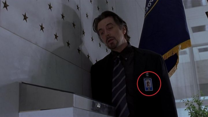 The authentic badge of the CIA by Walter Burke (Al Pacino) in The Rookie movie