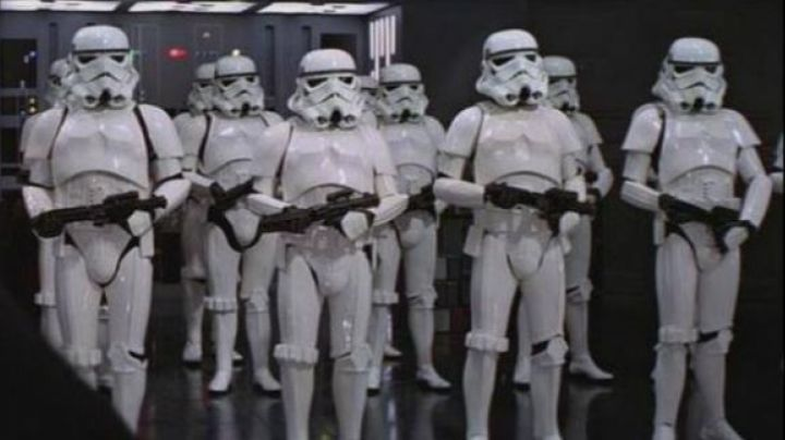 Fashion Trends 2021: The authentic boots white Stormtrooper in Star Wars IV : A new hope