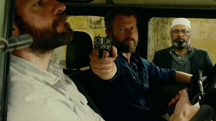 The authentic gun of Tyrone 'Rone' Woods' (James Badge Dale) in 13 Hours - Movie Outfits and Products