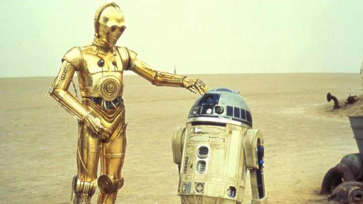 The authentic hand of the droid C3PO in Star Wars IV : A new hope - Movie Outfits and Products