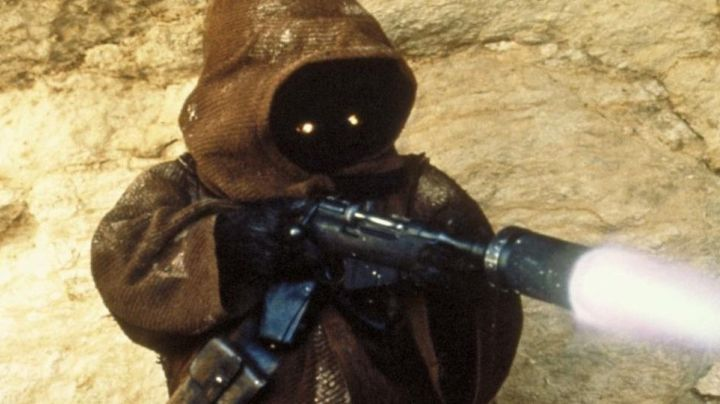 The authentic head of Jawa in Star Wars I : The phantom menace - Movie Outfits and Products