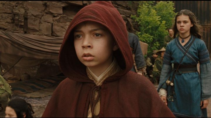 The authentic red coat of Aang (Noah Ringer) in The Last airbender from Shyamalan movie