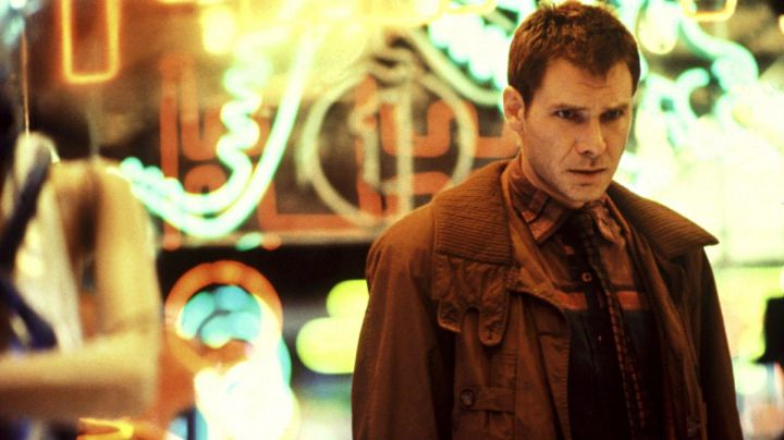 The authentic shirt as worn by Rick Deckard (Harrison Ford) in Blade Runner