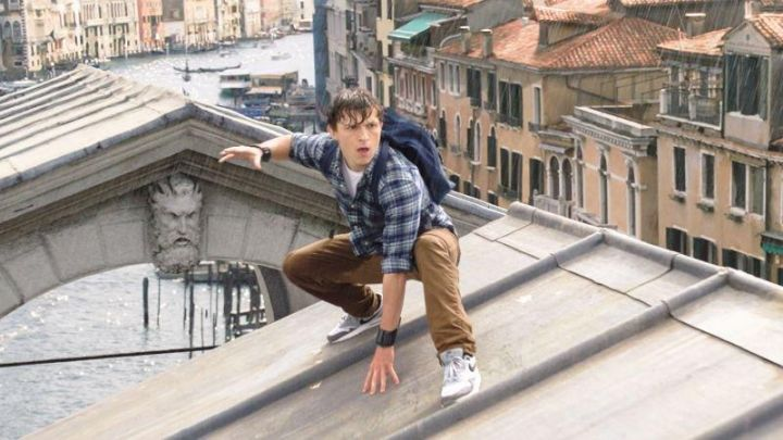 The backpack Vans of Peter Parker / Spider-Man (Tom Holland) in Spider-Man: Far from Home Movie
