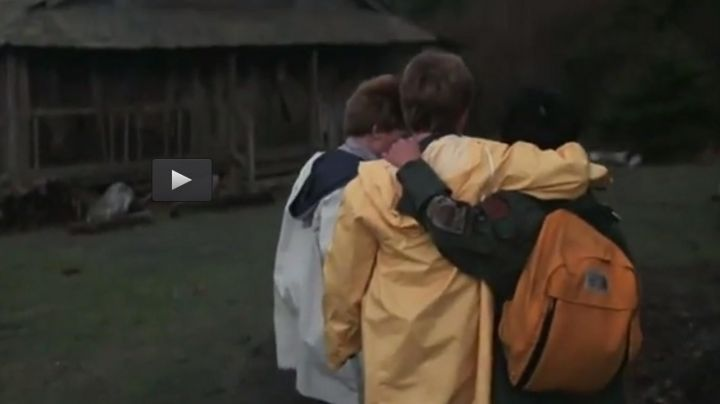 The backpack in yellow by Richard Wang / Data (Jonathan Ke Quan) in The Goonies movie