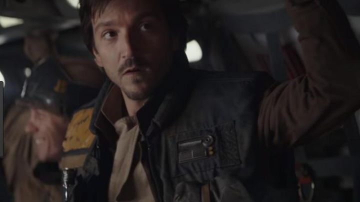Fashion Trends 2021: The badge of the Captain Cassian in Rogue One : A Star Wars Story