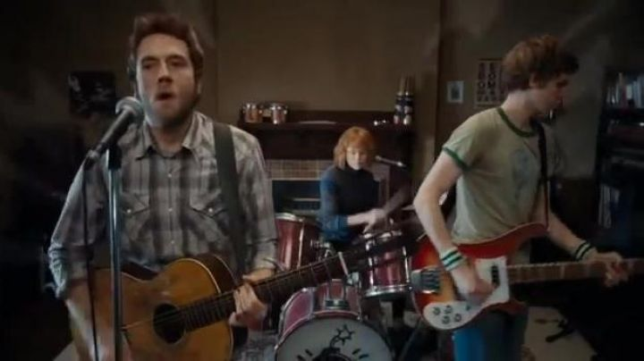 The bass guitar of Scott Pilgrim (Michael Cera) in Scott Pilgrim - Movie Outfits and Products