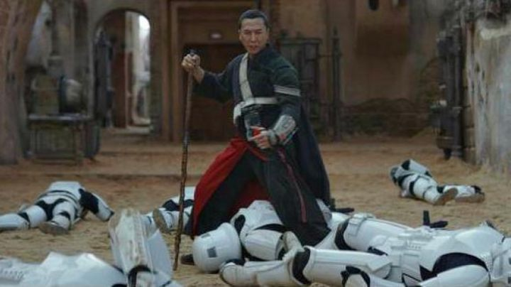 The baton of Chirrut Imwe (Donnie Yen) in Rogue One : A Star Wars Story - Movie Outfits and Products