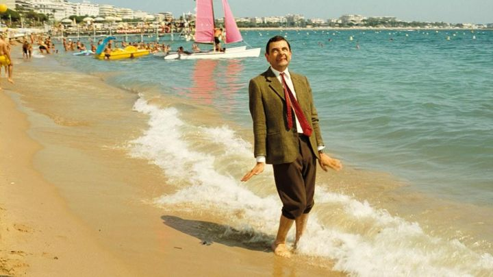 The beach of Cannes in the movie holiday Mr Bean - Movie Outfits and Products