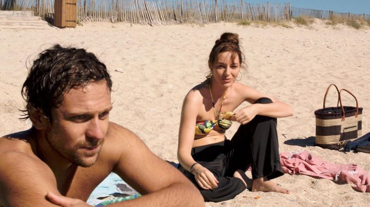 The beach of Maguelone in the movie A beautiful Sunday - Movie Outfits and Products