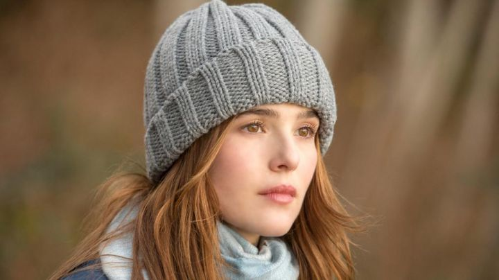 The beanie gray Samantha Kingston (Zoey Deutch) in Before I Fall - Movie Outfits and Products