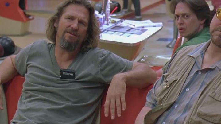 The beep of The Dude (Jeff Bridges) in The Big Lebowski - Movie Outfits and Products