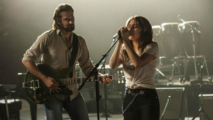 The beige shirt of Jackson, Maine (Bradley Cooper) in A star is born - Movie Outfits and Products
