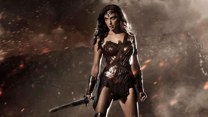 Fashion Trends 2021: The belt of Diana Prince (Gal Gadot) in Wonder Woman