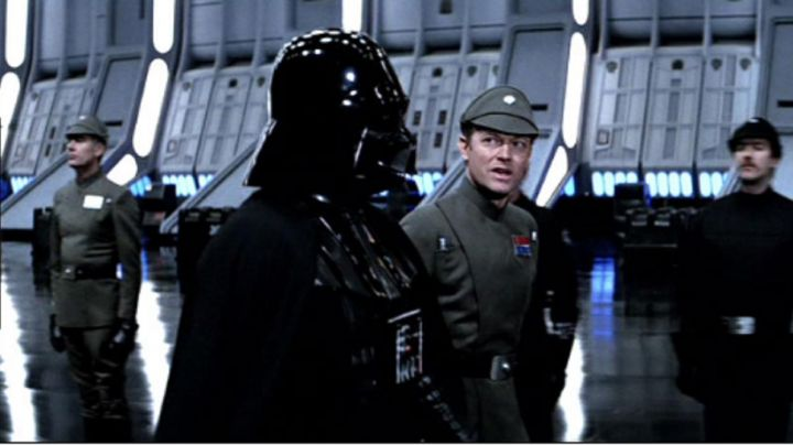 The belt of Pilot officer in Star Wars V : The Empire against attack - Movie Outfits and Products