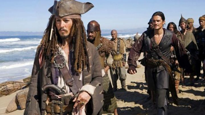 The belts of Jack Sparrow (Johnny Depp) in Pirates of the Caribbean - Movie Outfits and Products