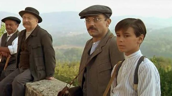 The beret of Joseph Pagnol (Philippe Caubère) in The Glory of my Father - Movie Outfits and Products