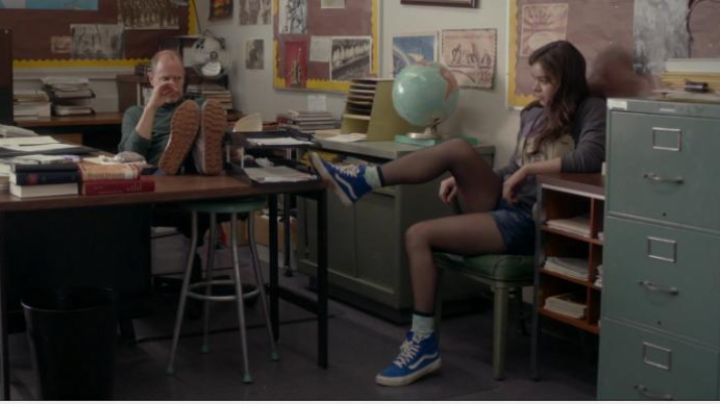 The beskets rising blue Hailee Steinfield in The edge of seventeen - Movie Outfits and Products