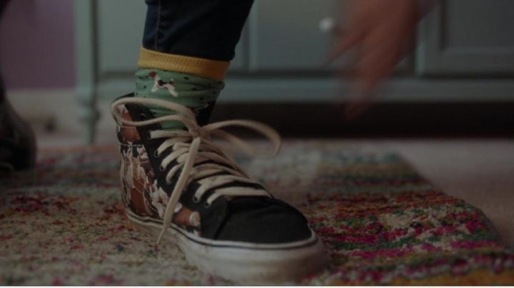The beskets rising to flowers of Hailee Steinfield in The edge of seventeen - Movie Outfits and Products