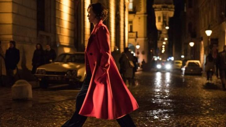 Fashion Trends 2021: The big red coat of Lorraine Broughton (Charlize Theron) in Atomic blonde