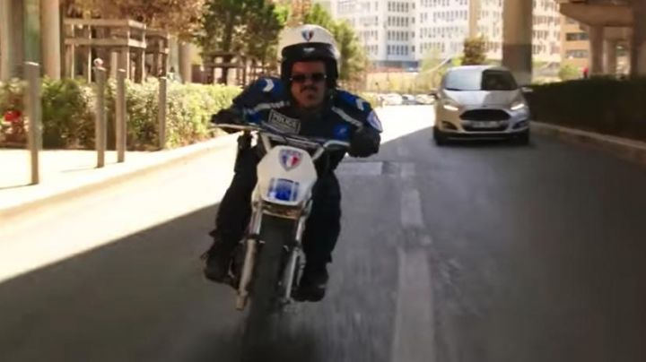 The bike Yamaha PW 80 d, Anouar Toubali in Taxi 5 - Movie Outfits and Products