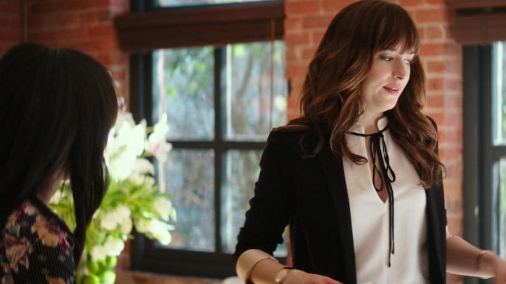 The black blazer 'Mathis' Isabel Marant of Anastasia Steele (Dakota Johnson) in Fifty shades lighter - Movie Outfits and Products