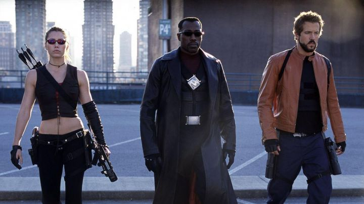 The black coat leather Blade (Wesley Snipes) in Blade : Trinity - Movie Outfits and Products
