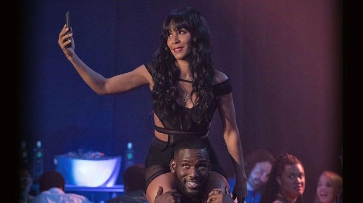 The black dress geometric Lisa Cooper (Jada Pinkett Smith) in Girls Trip - Movie Outfits and Products