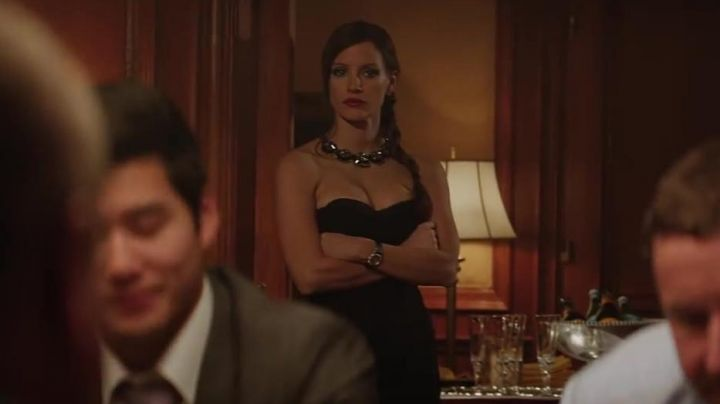 The black dress of Molly Bloom (Jessica Chastain) in The Great Game Movie