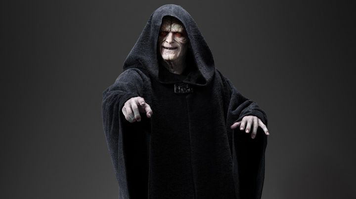 Fashion Trends 2021: The black dress of the emperor Palpatine in Star Wars