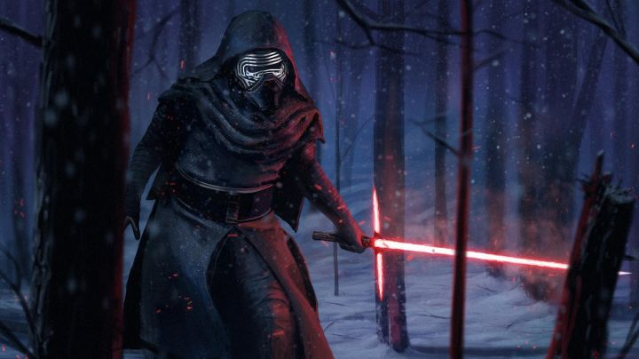 """Fashion Trends 2021: The black gloves of Kylo Ren (Adam Driver) in """" Star Wars VII : The awakening of the Force"""