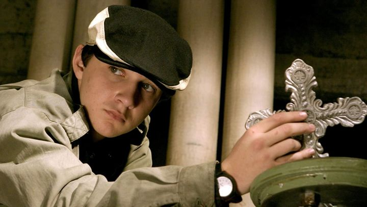 The black hat and white worn by Chas Kramer (Shia LaBeouf) in Constantine Movie