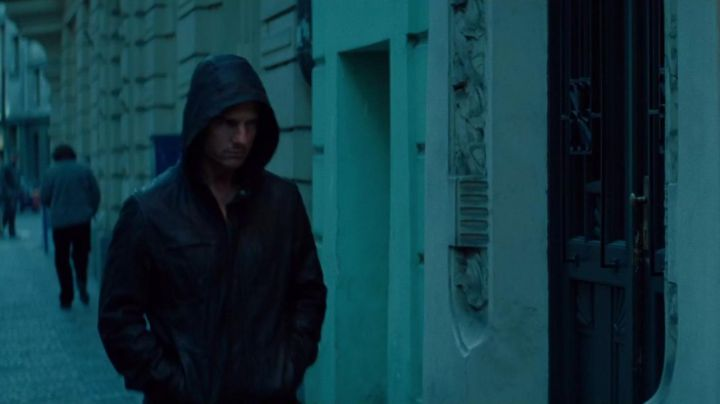 The black jacket of Ethan Hunt (Tom Cruise) in Mission : Impossible - Protocol Ghost movie
