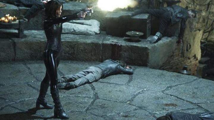 Fashion Trends 2021: The black leather boots of Selene (Kate Beckinsale) in Underworld