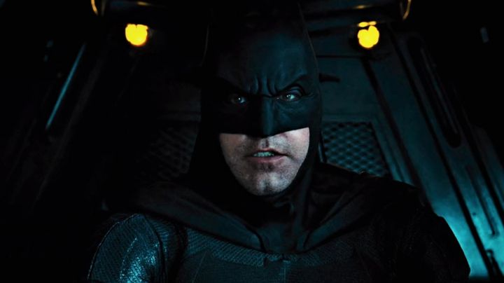 Fashion Trends 2021: The black mask of Batman (Ben Affleck) in the Justice League