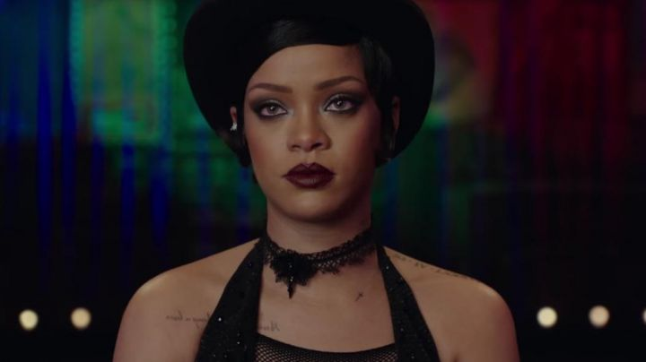 The black necklace Bubble (Rihanna) in Valérian and the city of ten thousand planets