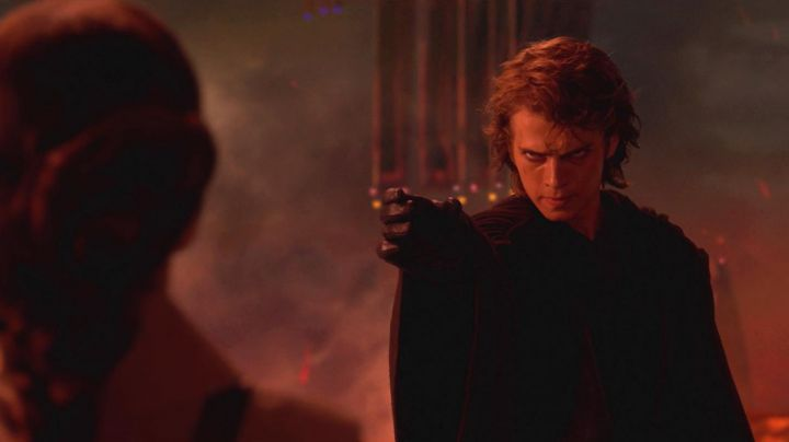 The black outfit of Anakin Skywalker (Hayden Christensen) in Star Wars III : revenge of The Sith - Movie Outfits and Products