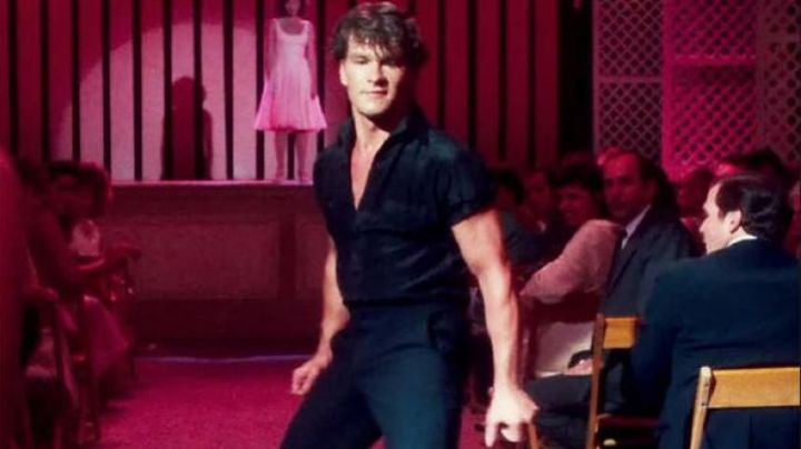 The black shirt of Johnny Castle (Patrick Swayze) in Dirty Dancing - Movie Outfits and Products