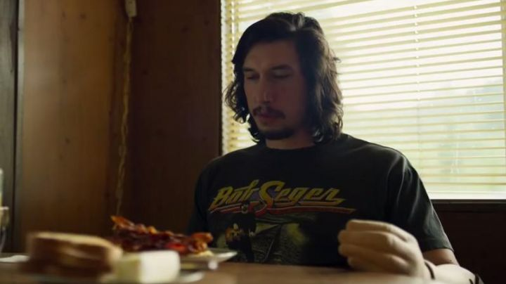 Fashion Trends 2021: The black t-shirt, Bob Seger & The Silver Bullet Band Clyde Logan (Adam Driver) in Logan Lucky