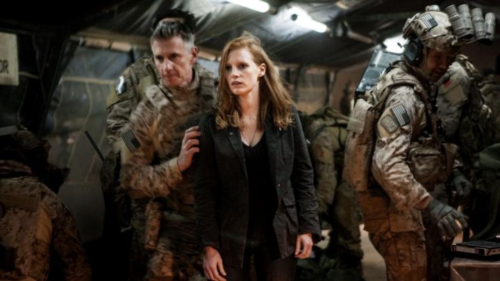 The black top of Maya (Jessica Chastain) in Zero Dark Thirty - Movie Outfits and Products