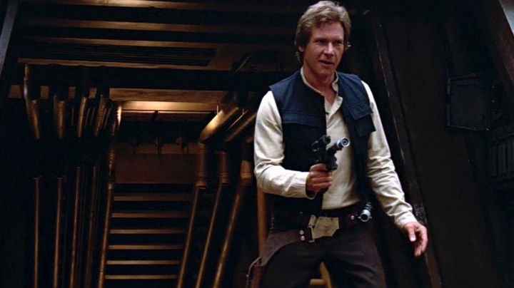 The blaster DL44 Han Solo (Harrison Ford) in Star wars - Movie Outfits and Products