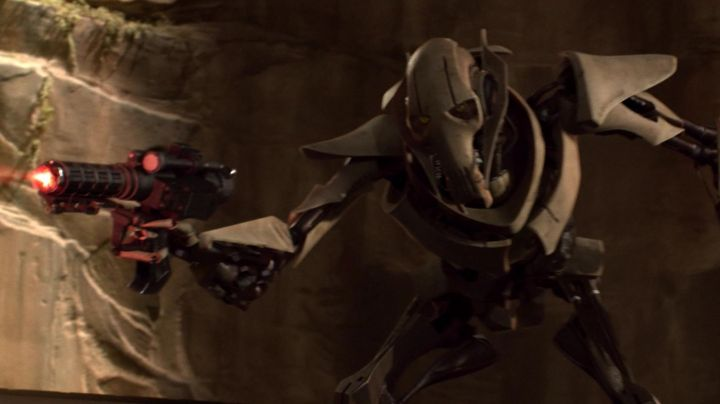 The Blaster General Grievous In Star Wars Iii Revenge Of The Sith Movie