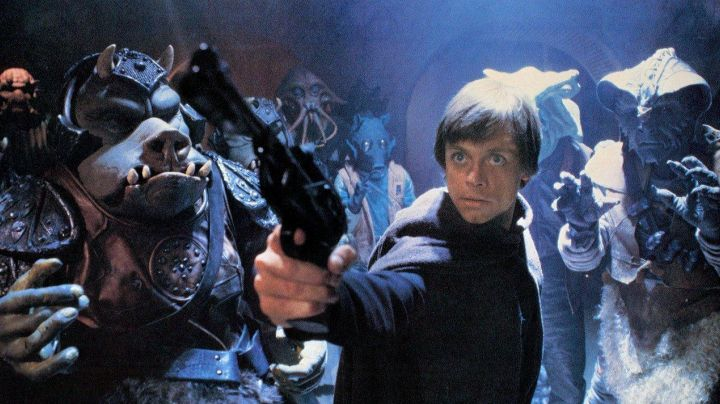 The blaster Luke Skywalker (Mark Hamill) in return of The Jedi - Movie Outfits and Products