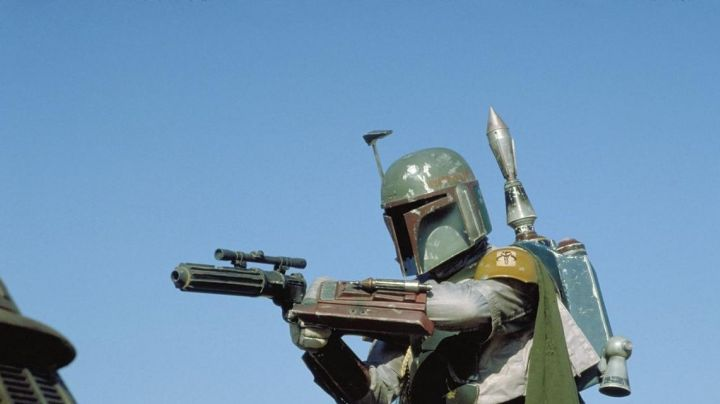 The blaster of Boba Fett (Jeremy Bulloch) in Star Wars VI : return of The Jedi - Movie Outfits and Products